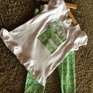 "Matilda Jane leggings with matching ""E"" shirt"